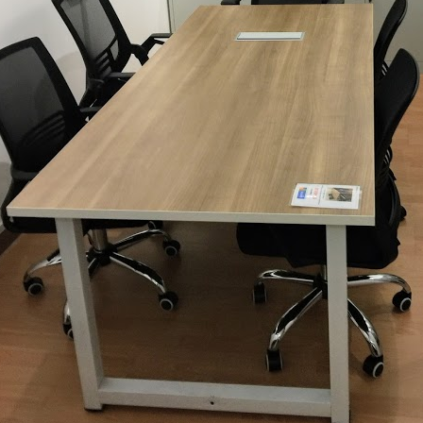 LT24090 2.0m Rectangular Meeting / Conference Table