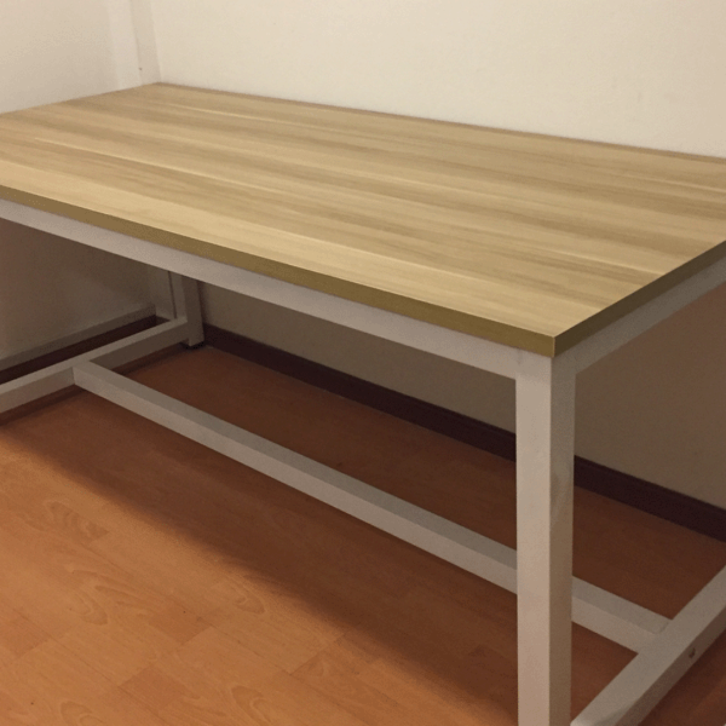 1.8m Computer  Study Table White FrameWalnut Top
