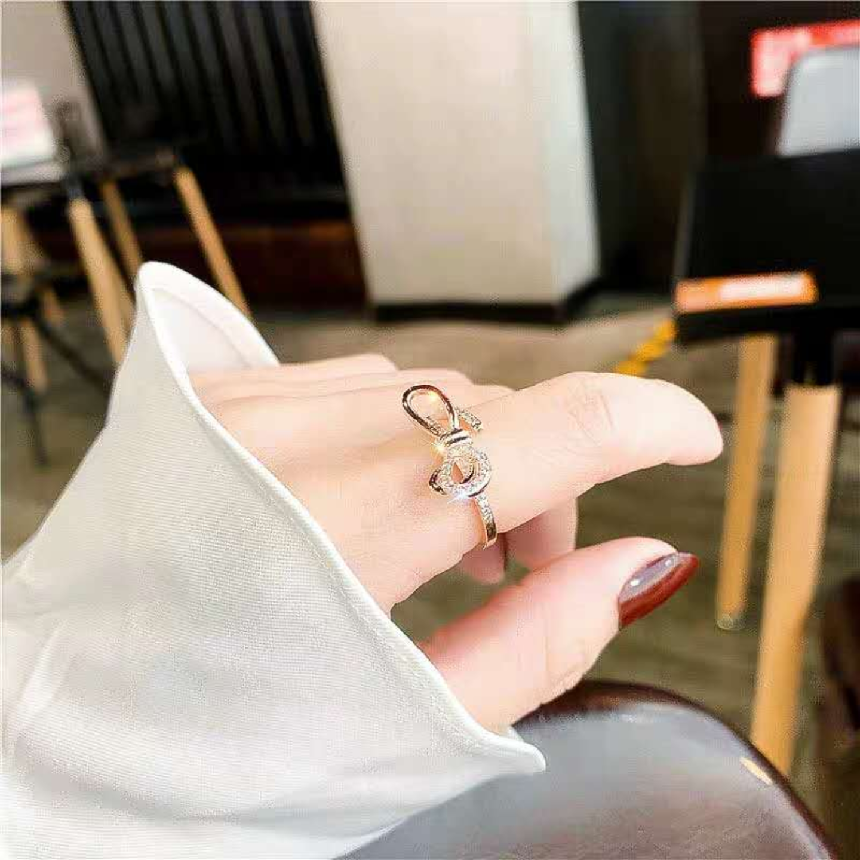 Fashion Ribbon Diamond Ringd