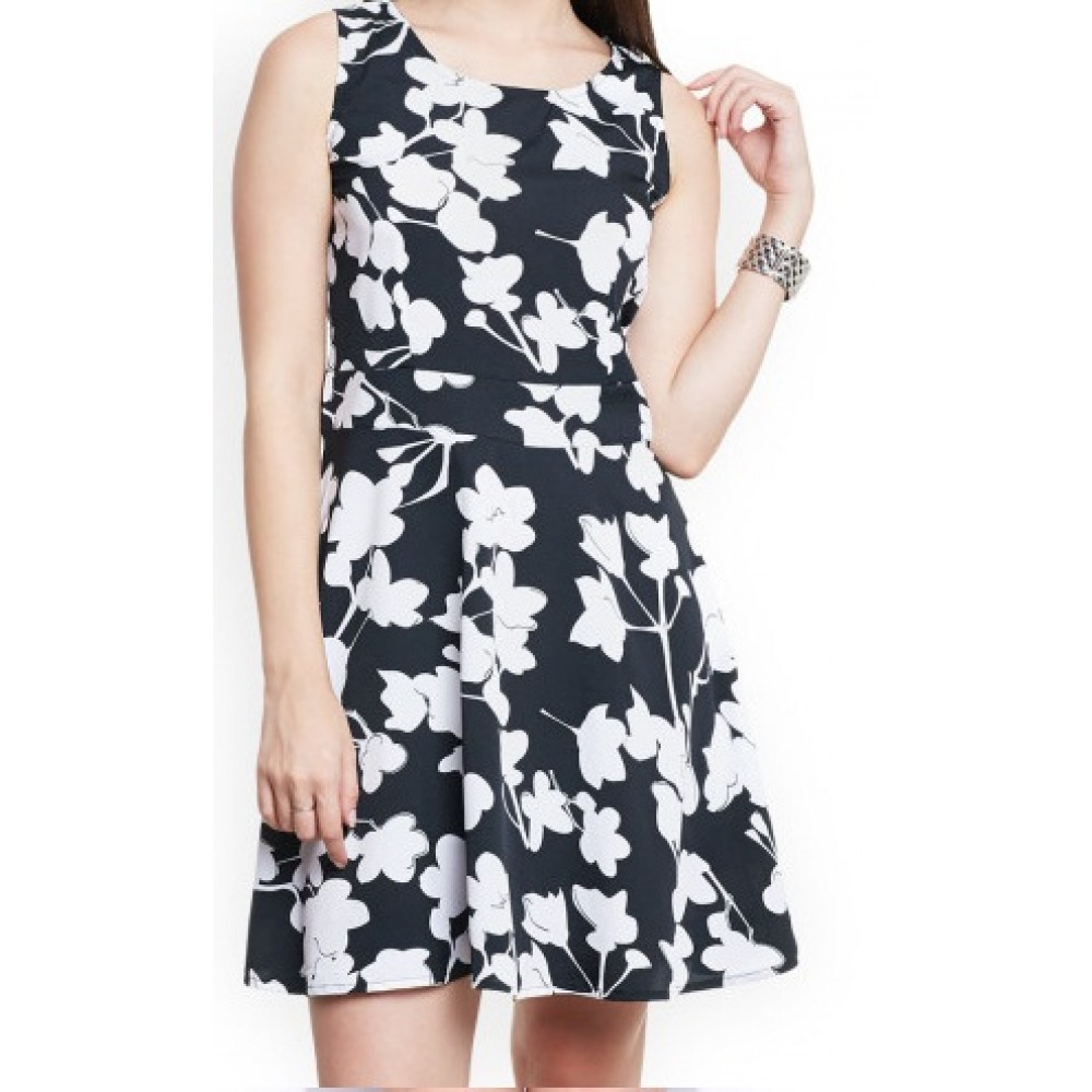 La Facon-black-printed-crepe-a-line-dress