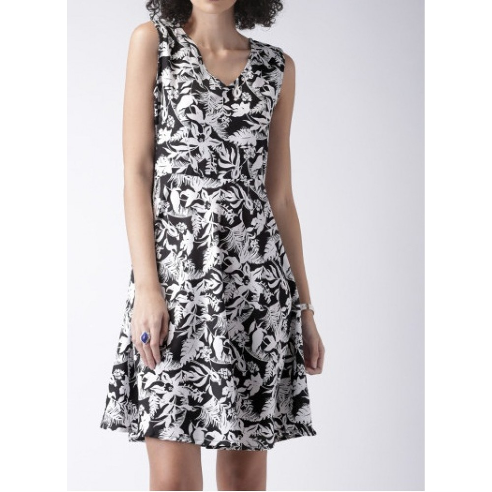 Lafacon-black--white-printed-fit--flare-dress