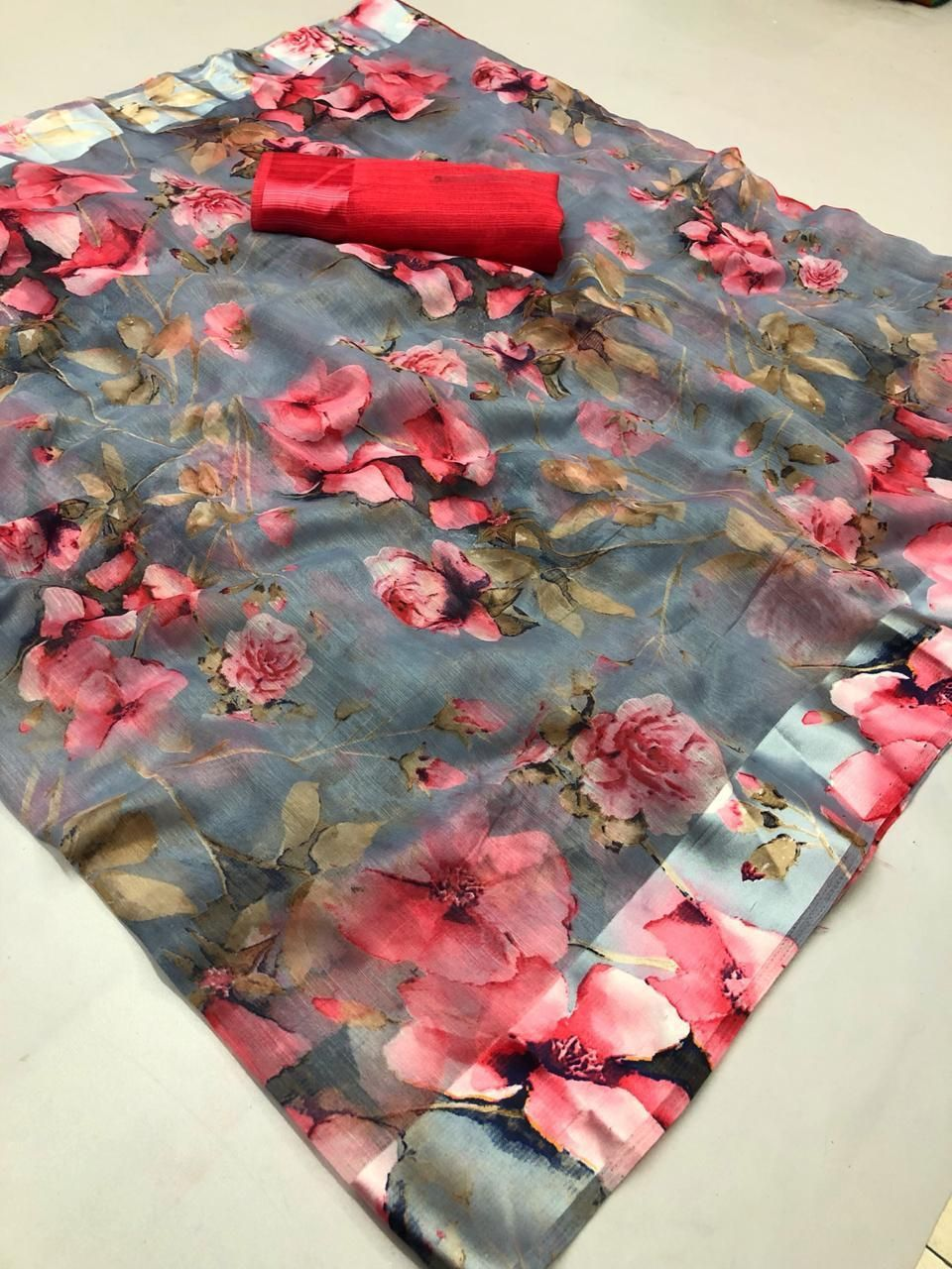 Gorgeous Linen Cotton Printed Regular Saree With Red Blouse Piece