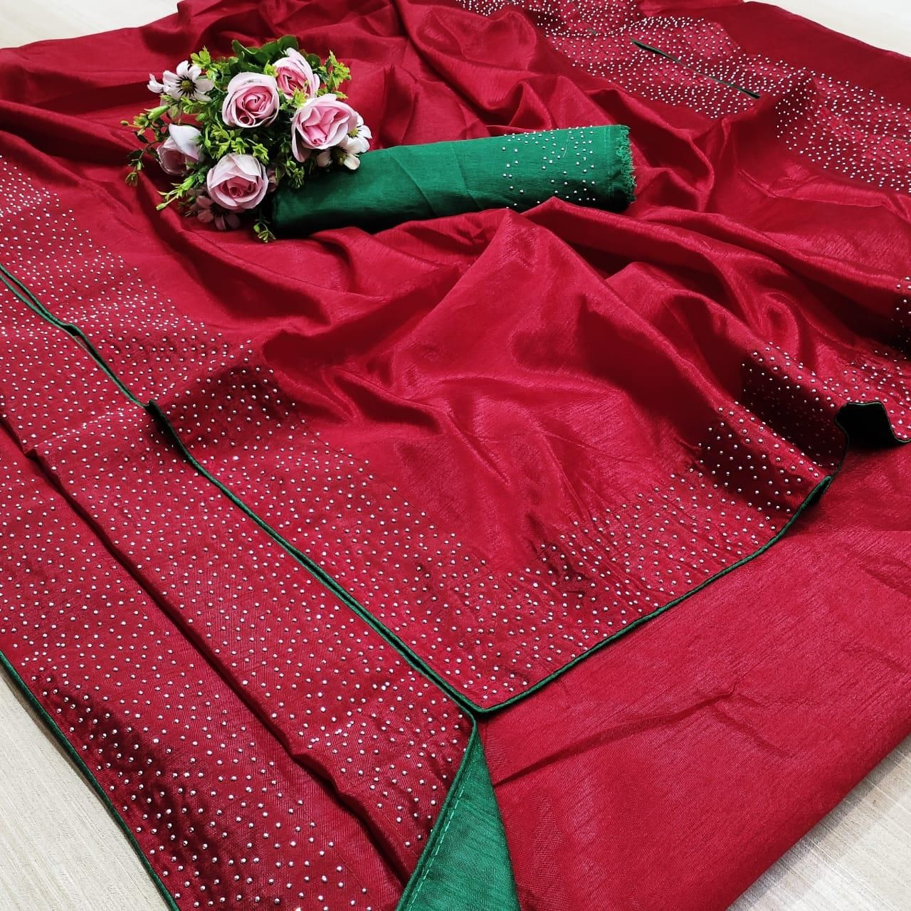 Pretty Red Green Banglori Silk Solid With Stone Border Regular Sarees