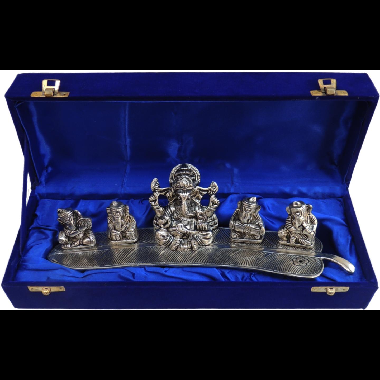 Musical Ganesh on Banana Leaf 3 inch AS002