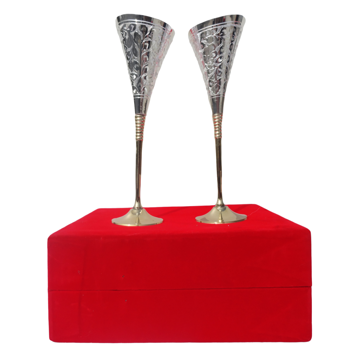 Brass Goblet Set Of 2 Pcs Packed In Red Velvet Box (B077)
