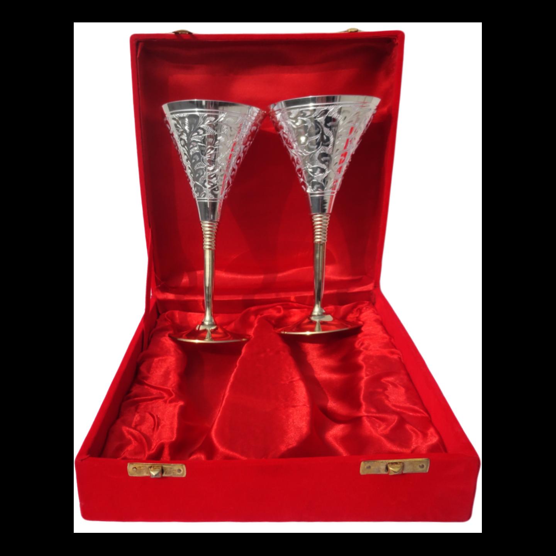 Brass Goblet Set Of 2 Pcs Packed In Red Velvet Box (B077)