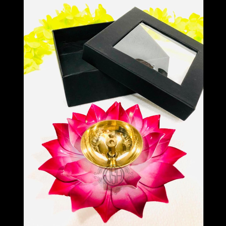 Brass and Iron Deepak decoravtive diwali gifting item - 6 inch Z480 C