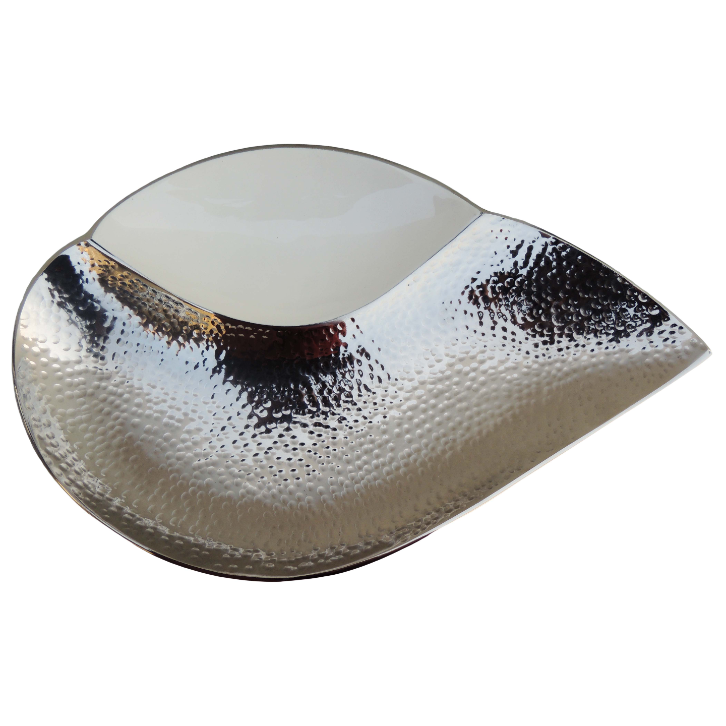 Aluminium Metal Shank Shape Serving Platter with white and Nickel Finish- 15*9.5 Inch  (A282/15)