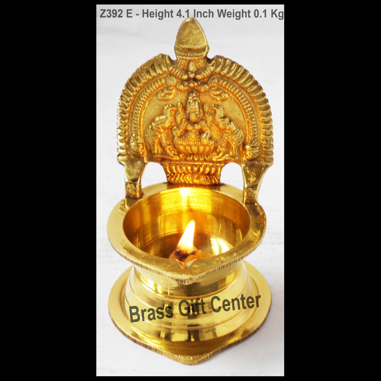 Brass Kamakshi Velakku Deepak - 2.6*2.6*4.1 Inch  (Z392 E)