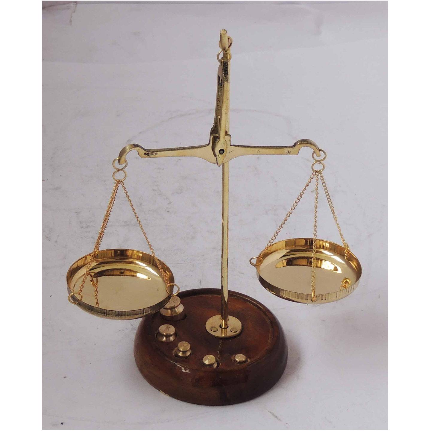 Brass Taarzu 20 gm Weighing Machine - 5.52.57 inch  Z303 C