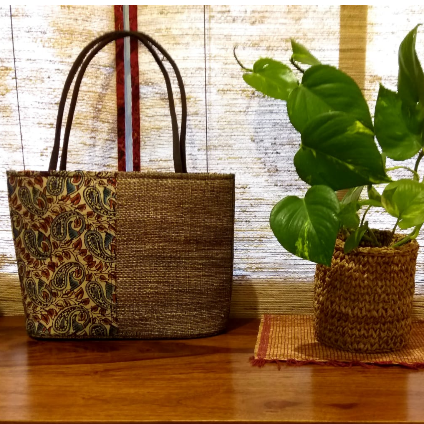Subtle & Stylish Tote in Banana Fibre
