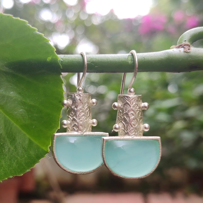 Cool Aqua Chalcydony Earring