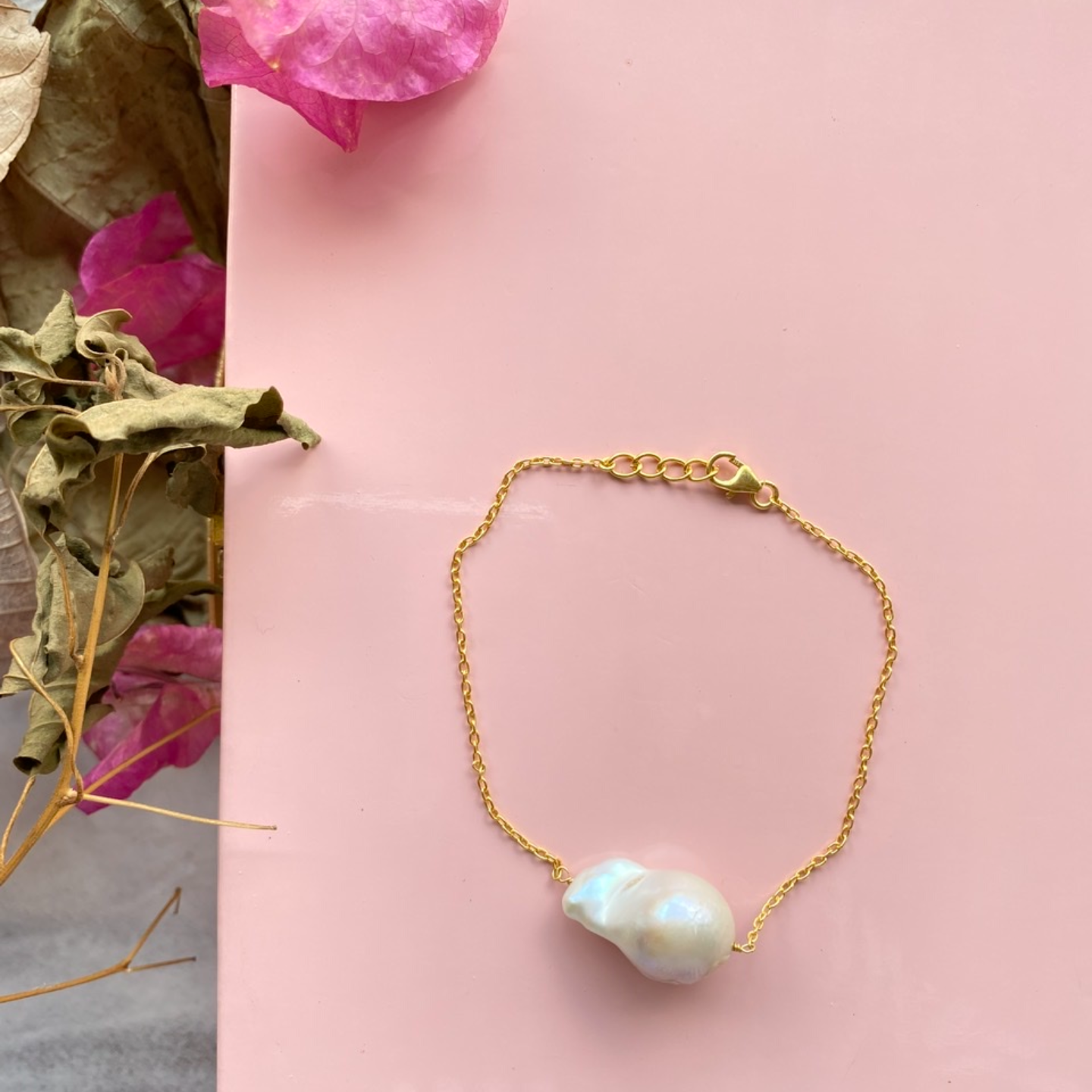 The sweetest Pearl Bracelet -Gold