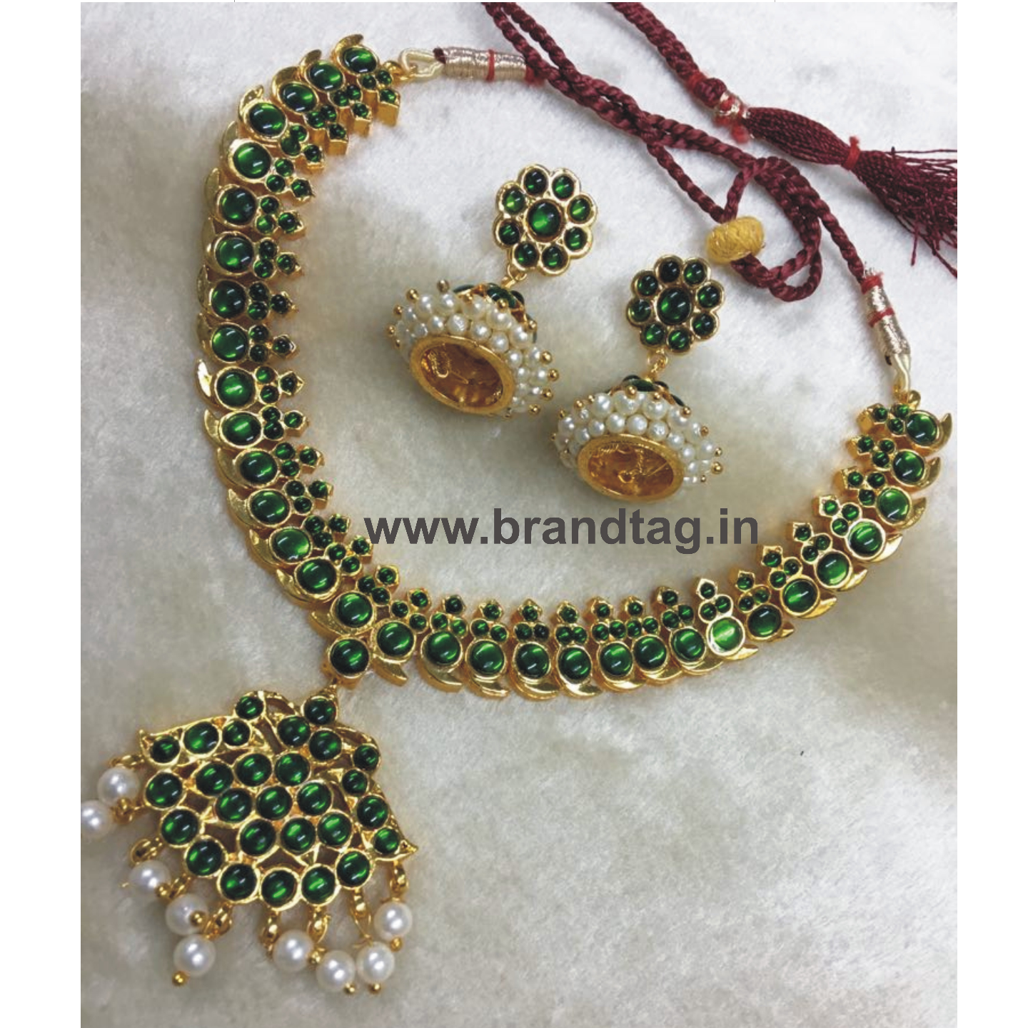 Ethnic shining Golden Necklace set for women !