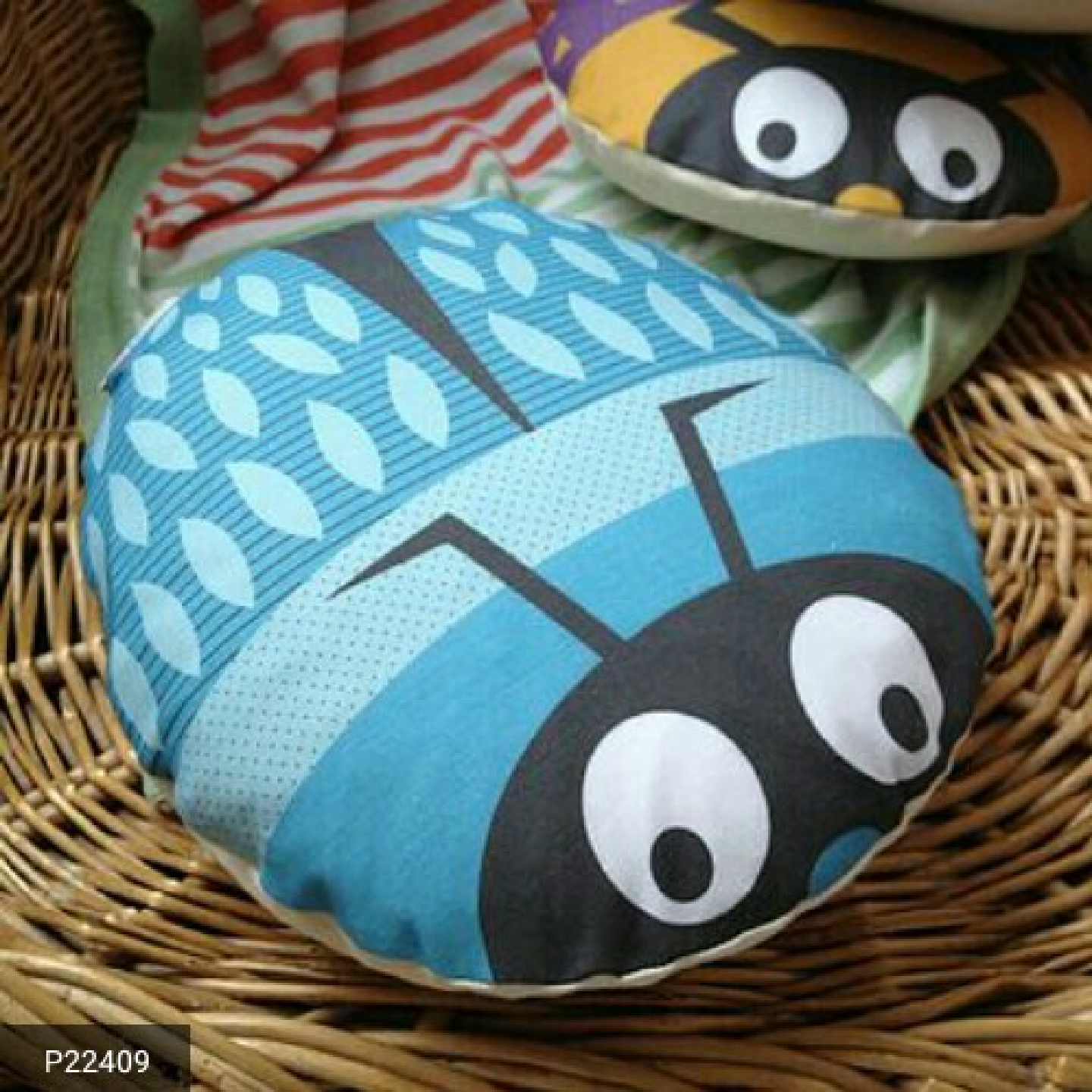 High Quality fiber-filled Bug shaped cushions for Kids and Home Decor !