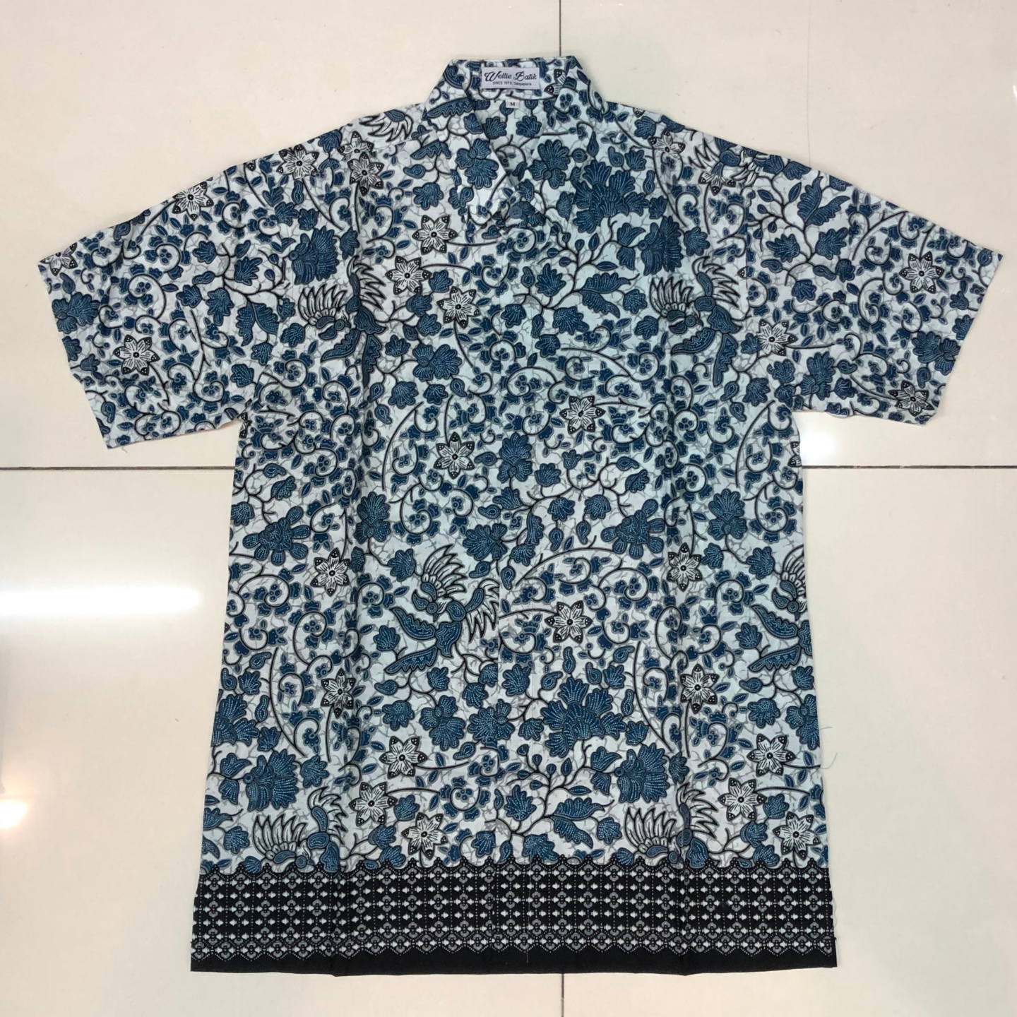 Batik print short sleeve shirts ( size XL )