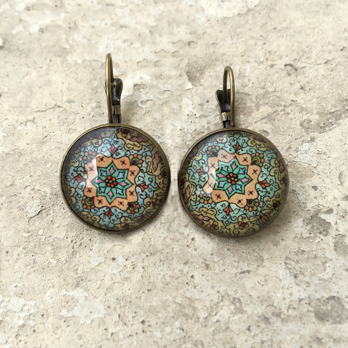 CLIP EARRINGS 18 MM - Detail Painted Box Kashmiri Paper Mache