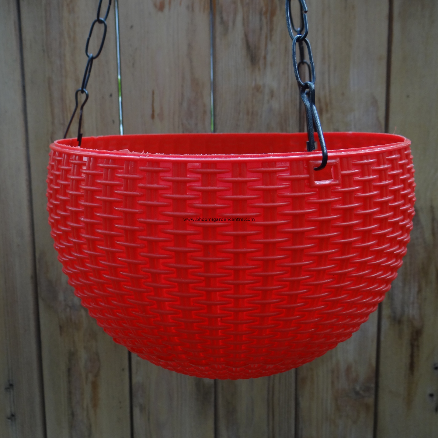 Rattan red hanging plastic pot (8.6 inch)