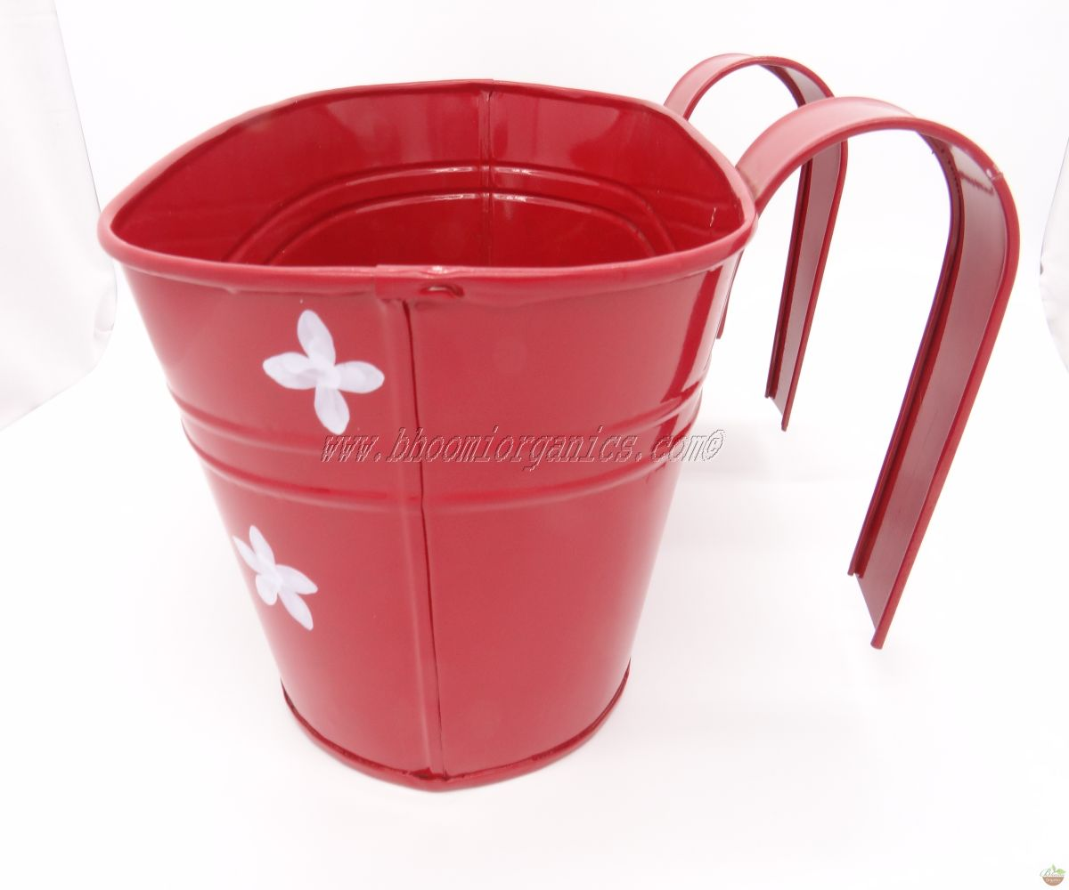 Red oval with flower dots (13 inch)