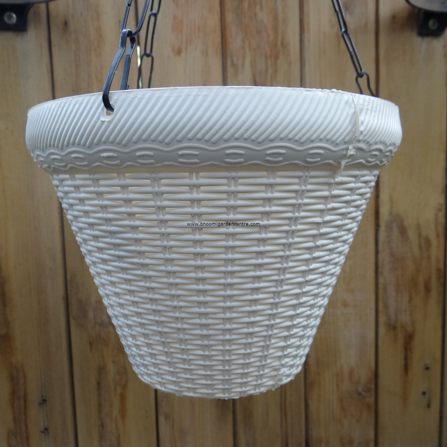 Juhi white hanging plastic pot