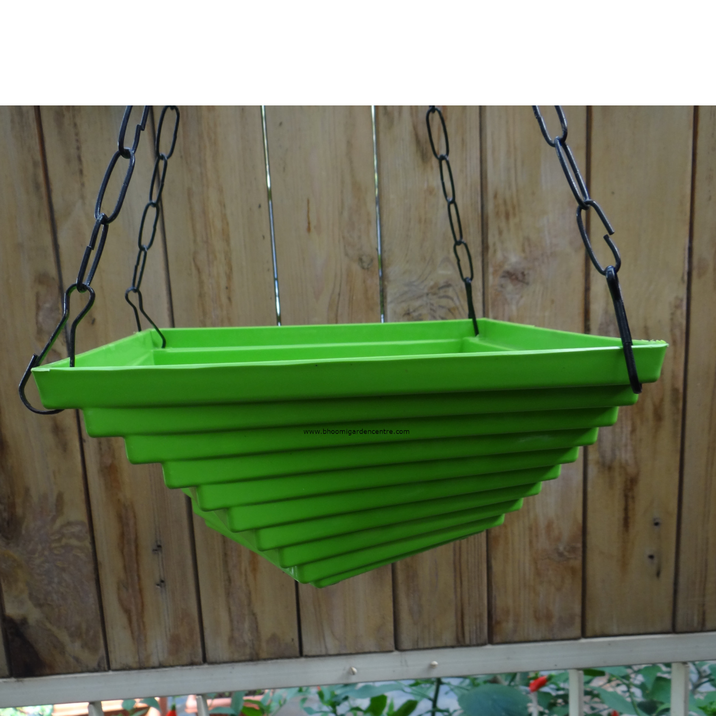Twister green hanging plastic pot (9 inch)
