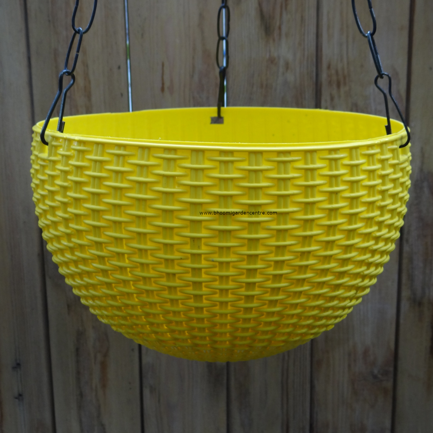 Rattan yellow hanging plastic pot (8.6 inch)