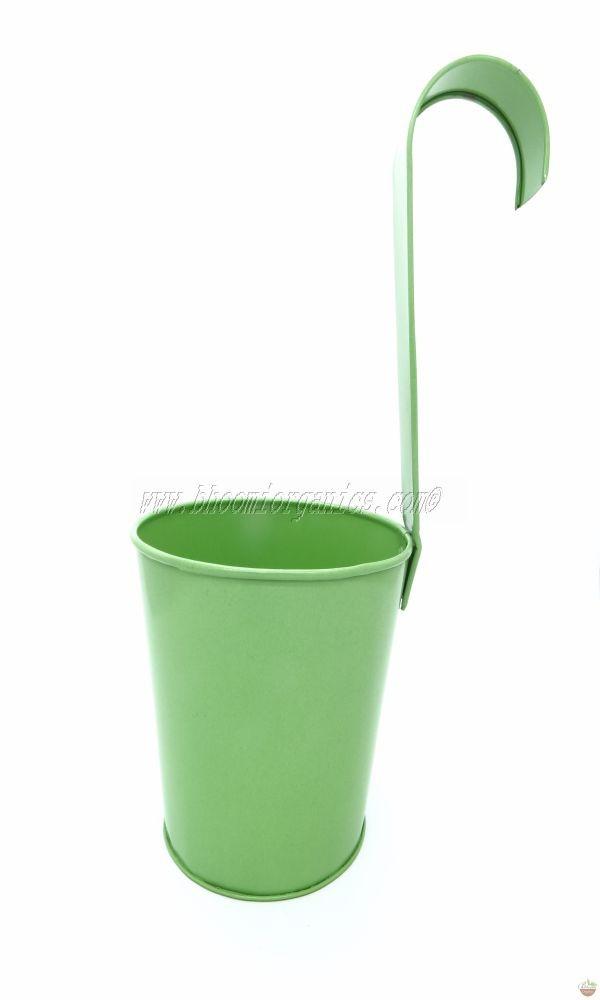 Metal hanging plain green pot 6 inch