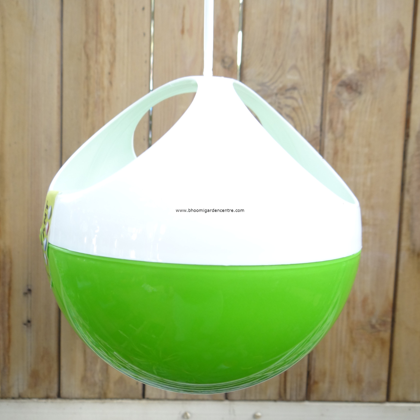 Avant  green ORB hanging pot