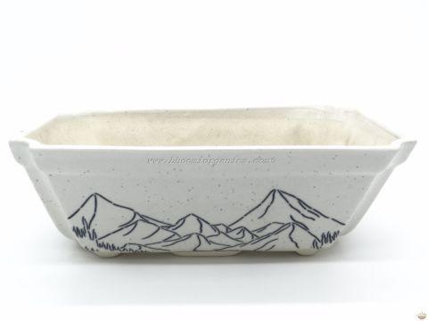 Big white rectangle with mountain print