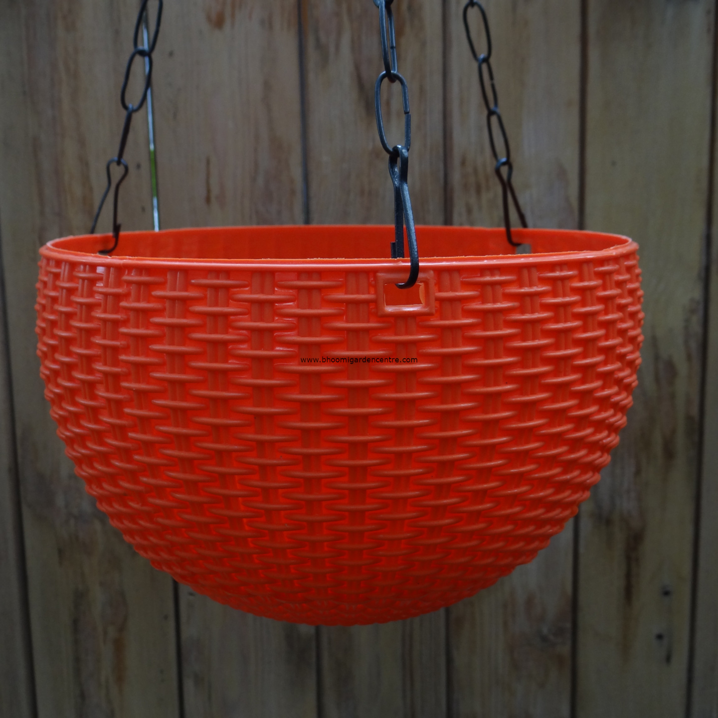 Rattan orange hanging plastic pot (8.6 inch)