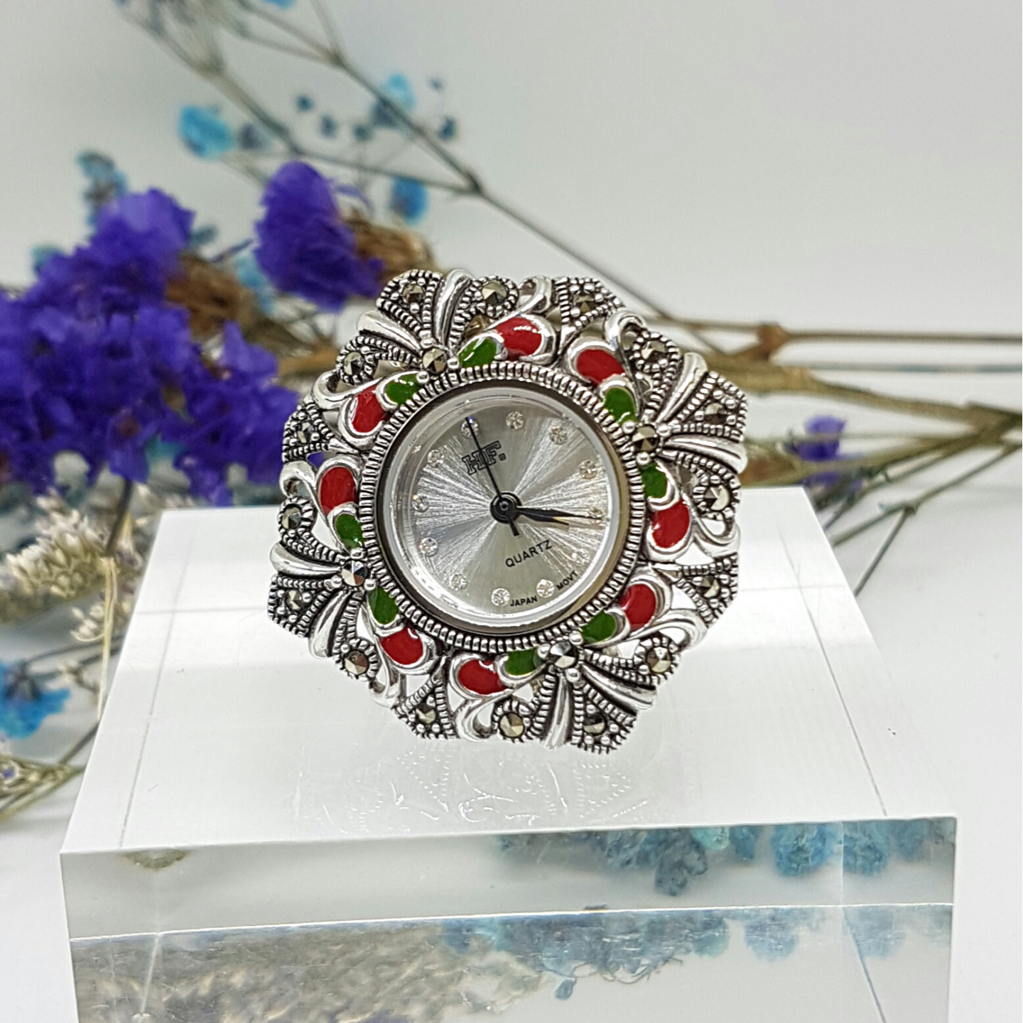 Ring watch in Enamel *Rental price
