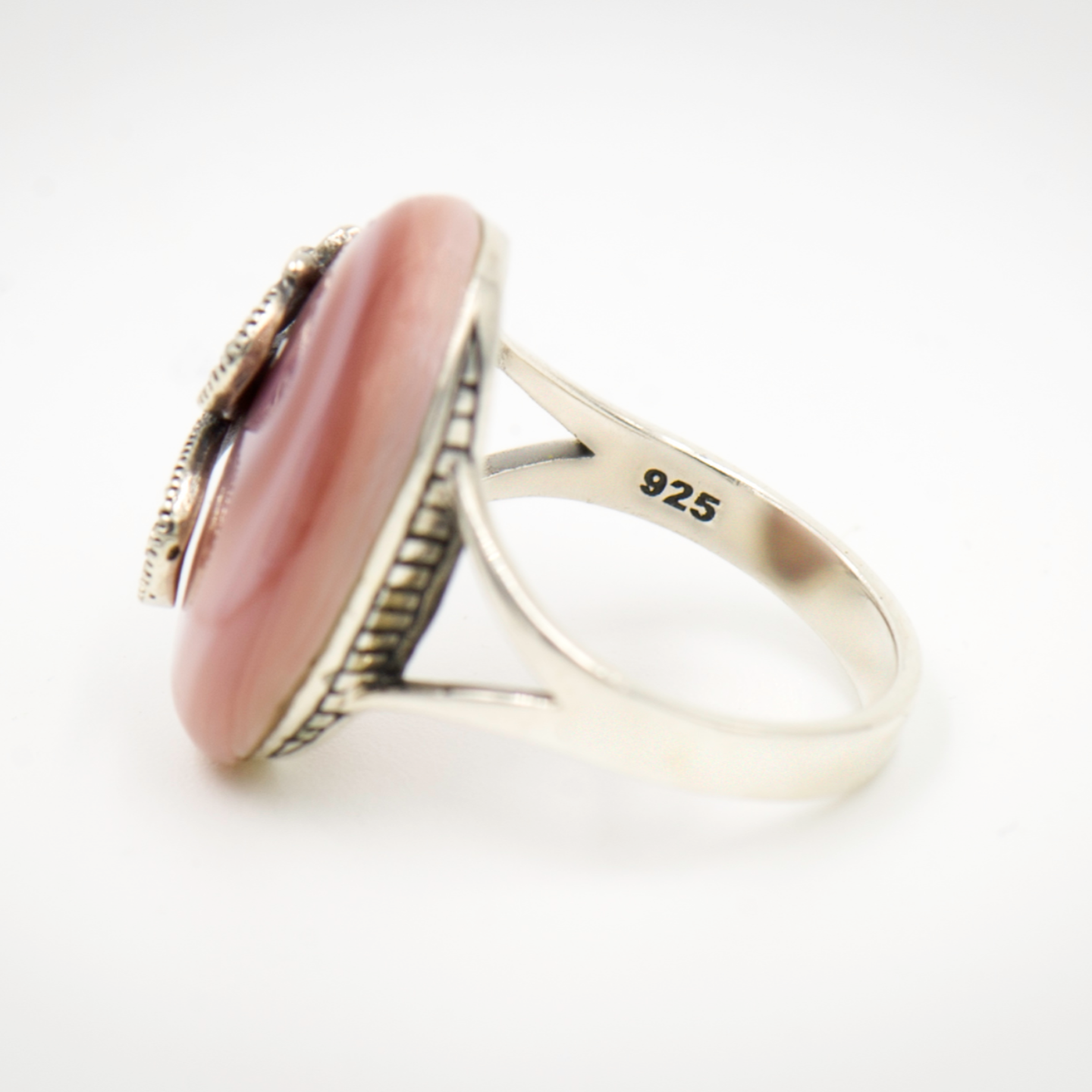 MS Pearly Ring (Pink Mother of Pearl)