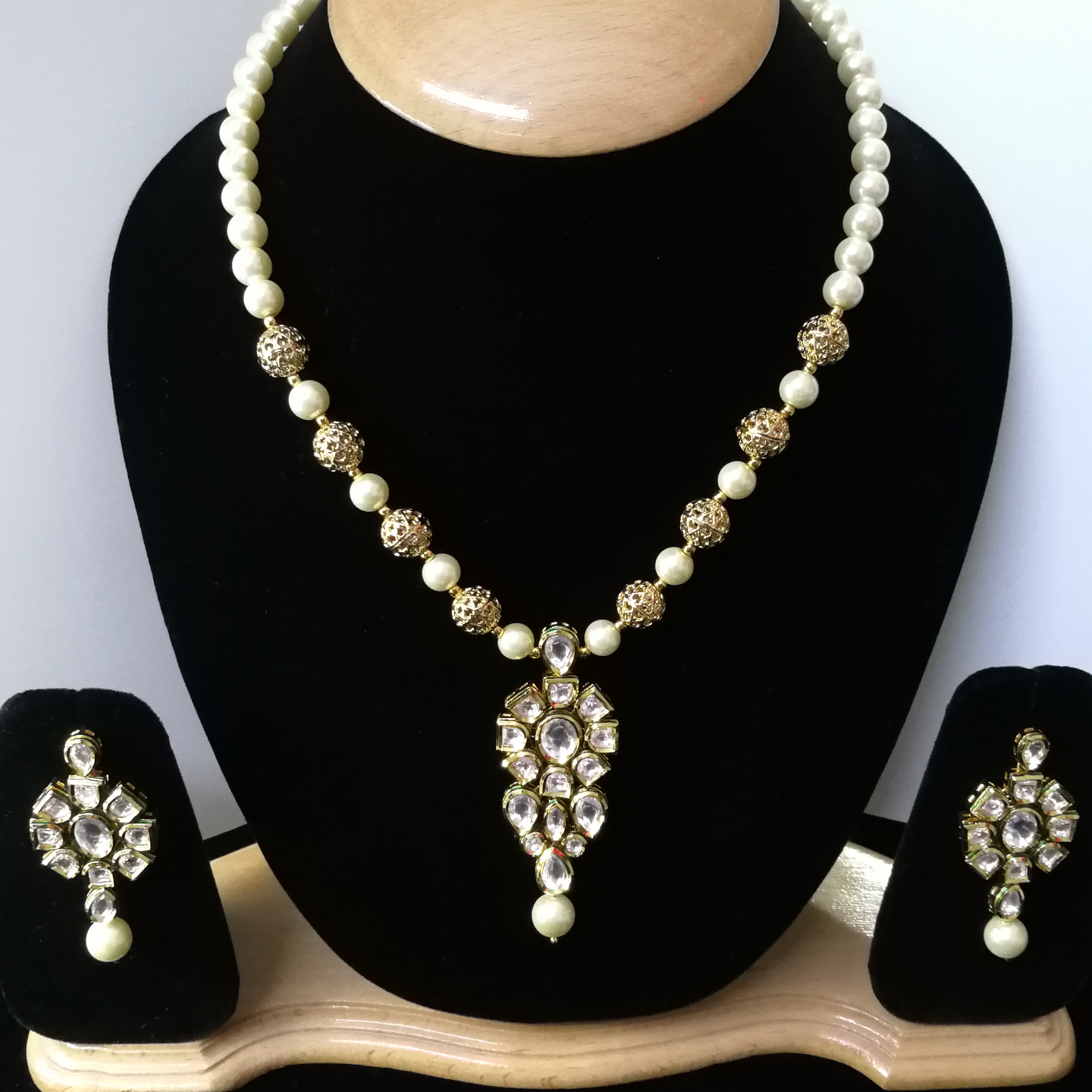Kundan With Meenakari And White Pearls Necklace Set