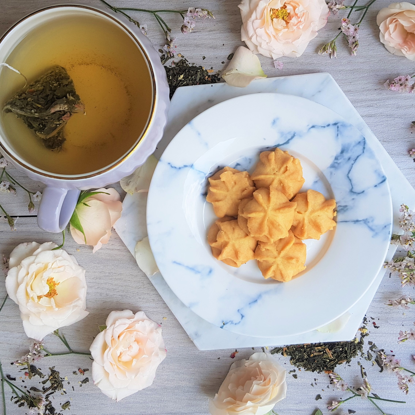 Mothers' Day Cookies & Tea Bundle