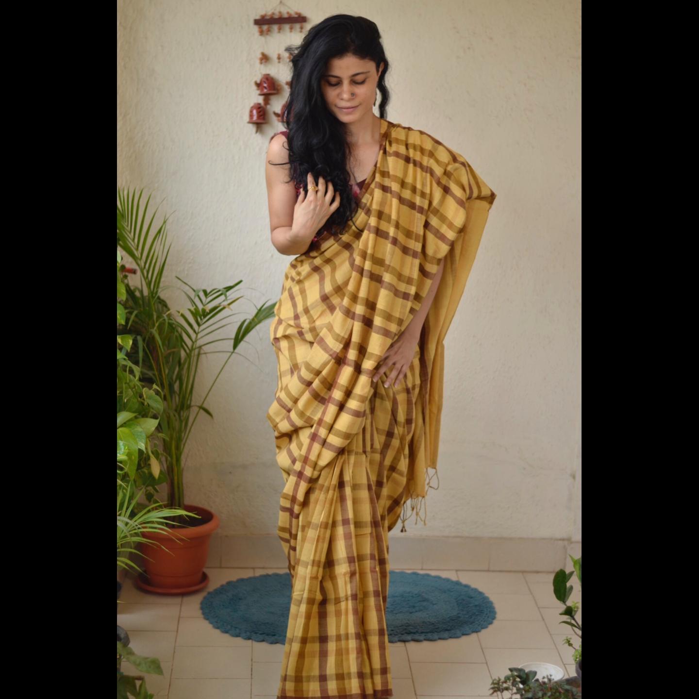 Handwoven cotton checked saree