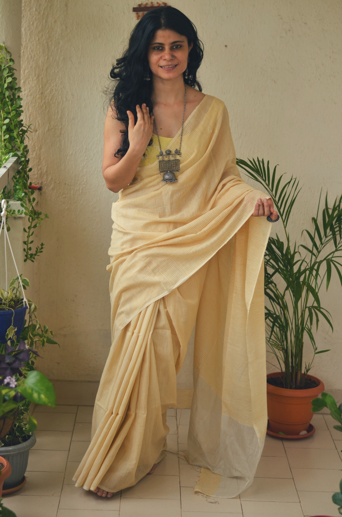 Handloom cotton saree with jari in pallu