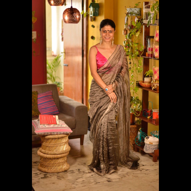 Handloom linen saree with jari blended.
