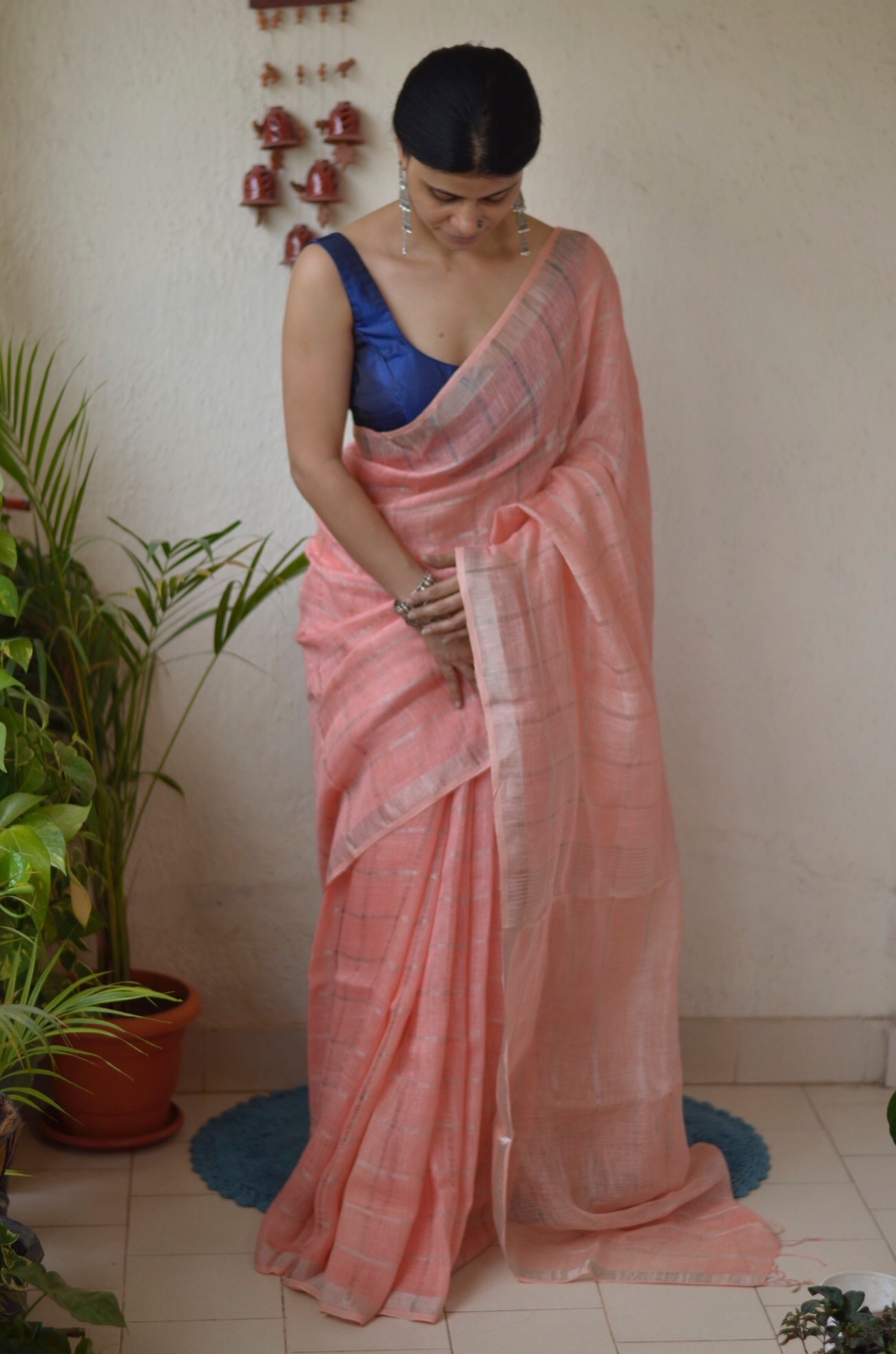 Handwoven jari blended checked linen saree