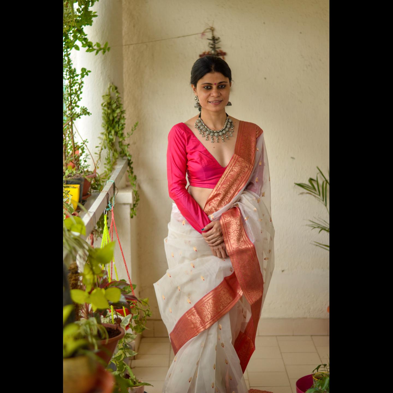 Handloom Chanderi Resham silk saree with Jari bootis motifs  and Nakashidar border.