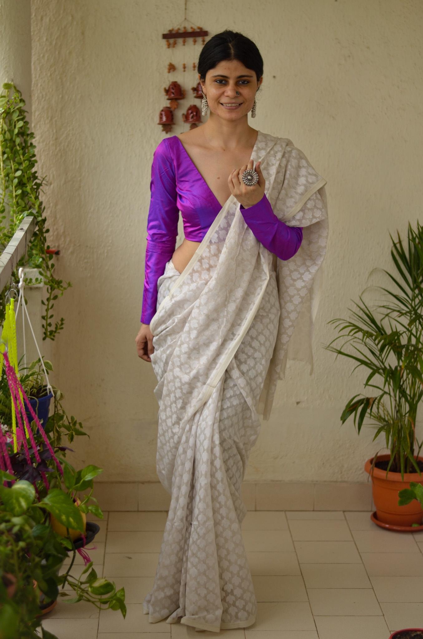 Handloom metallic linen with jamdani bootis