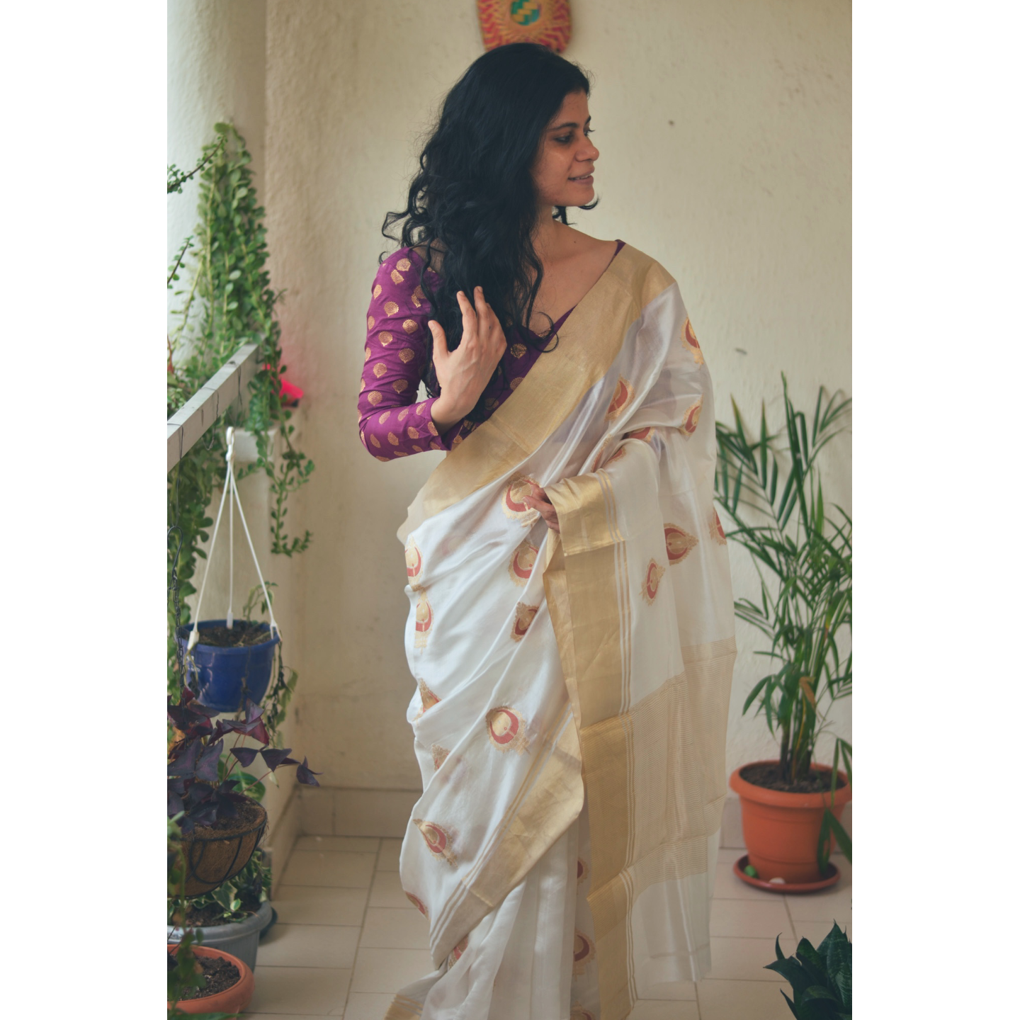 Handwoven chanderi silk saree with gold  border and gold jari meenakari motifs