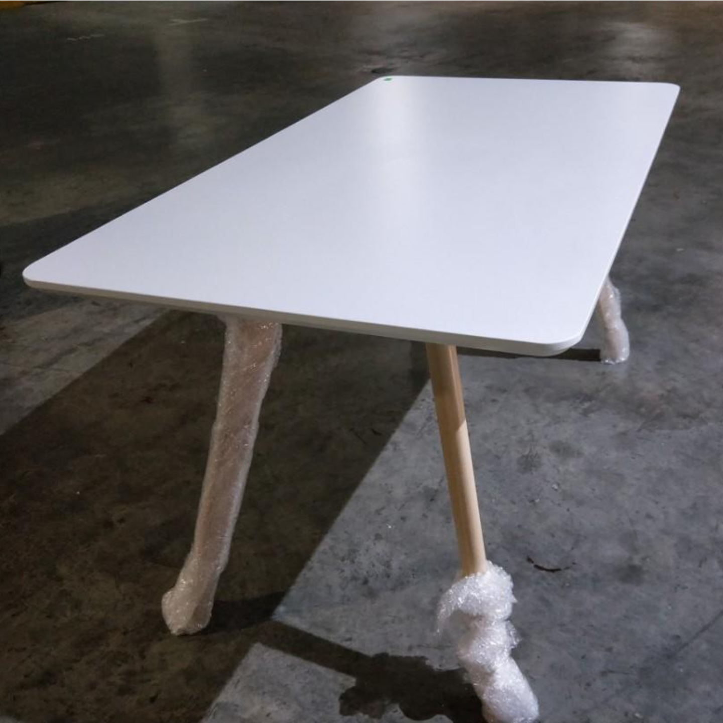 ZALON Scandi Dining Table