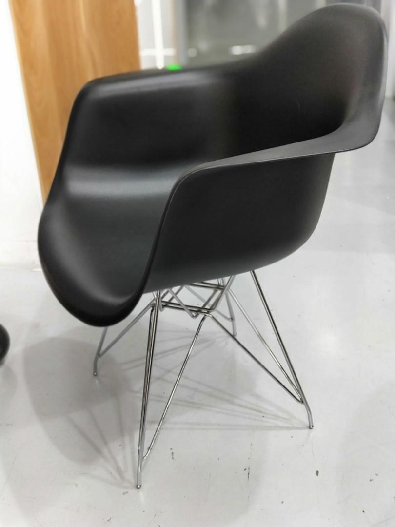 RAY Eames Replica Armchair - BLACK