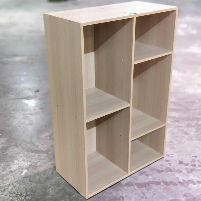 FRANKEL Display Shelf