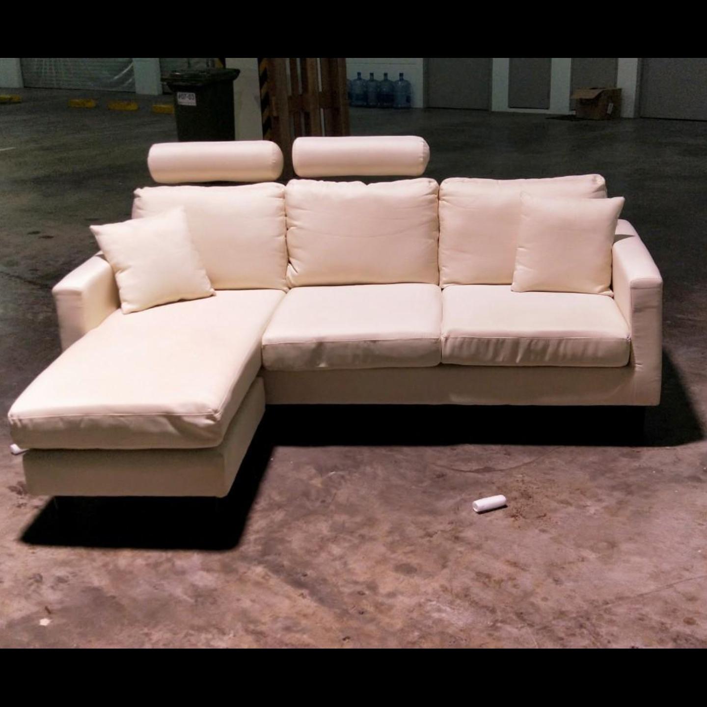 LEVIN L-Shaped Sofa in LIGHT BEIGE FABRIC