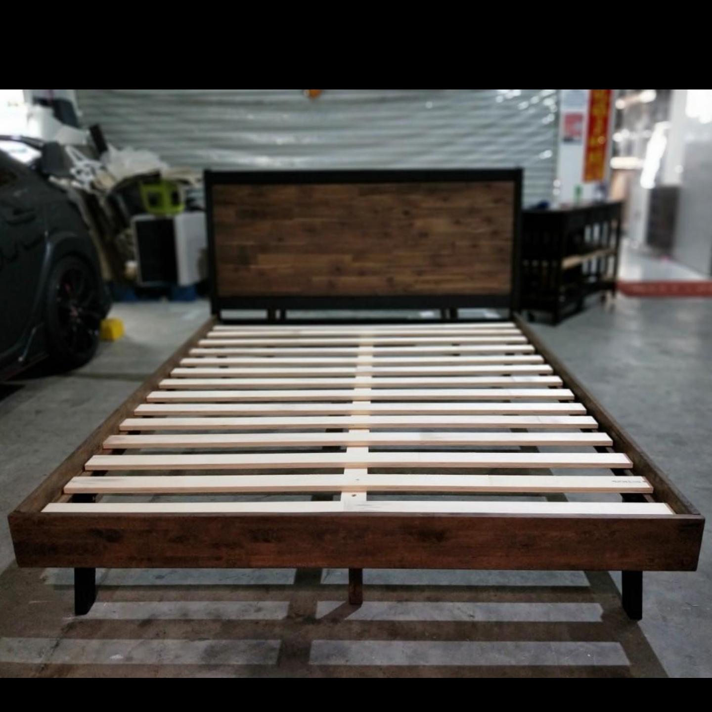 RINNA INDUSTRI Series Queen Bed Frame