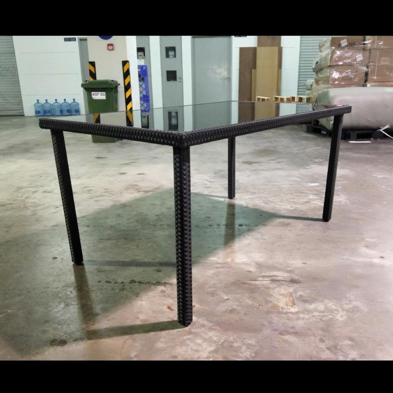 HONOLULU Wicker Dining Table in BLACK