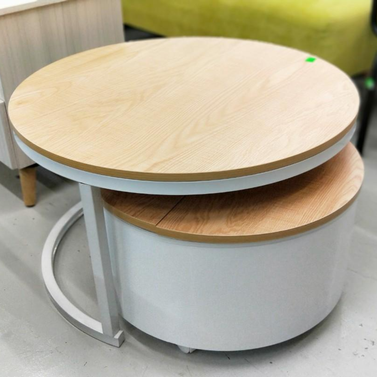 VALE Round Nesting Table Set