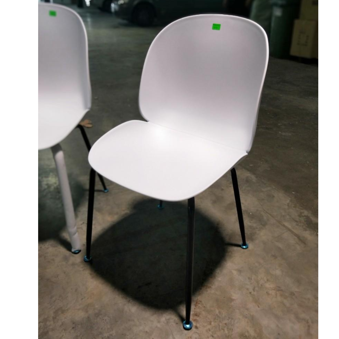IZZY Designer Replica Chairs in WHITE