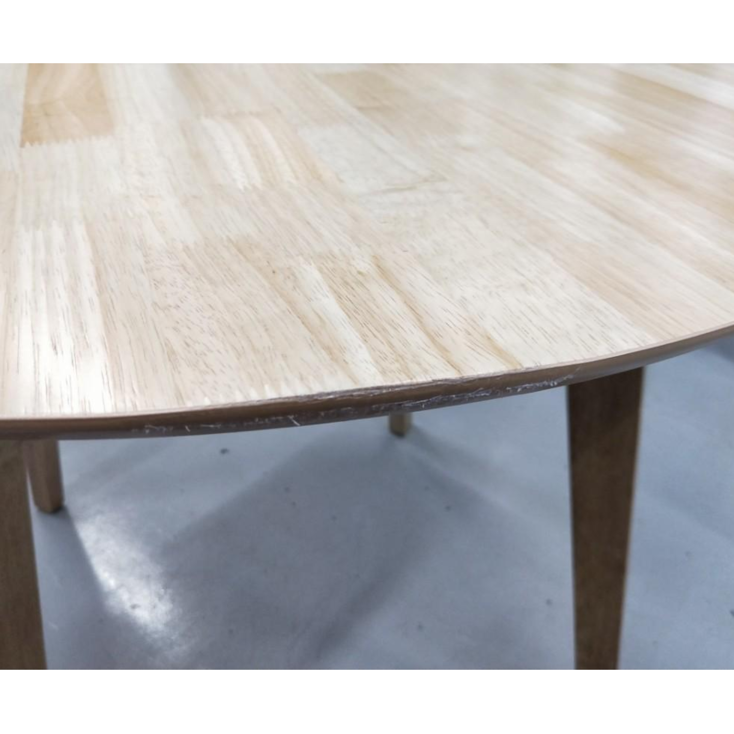 DEANA Round Dining Table